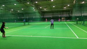テニス部などの活動もしています。