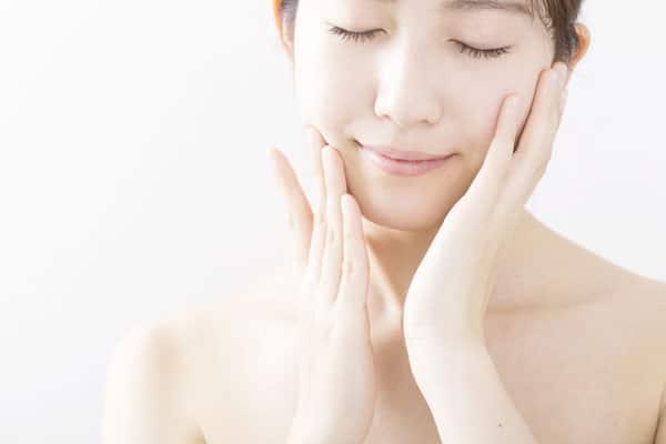 肌を綺麗にしたい!シミやハリなどお肌の老化のタイプとその治療法